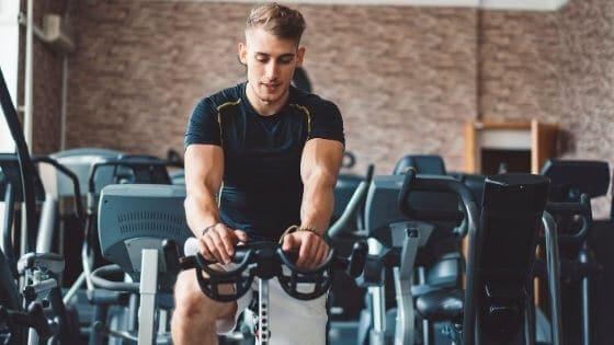 ¿Cómo perder grasa y ganar masa muscular?