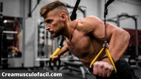 Haz ejercicios de preexhaustación para tener un entrenamiento de alta intensidad con pesas