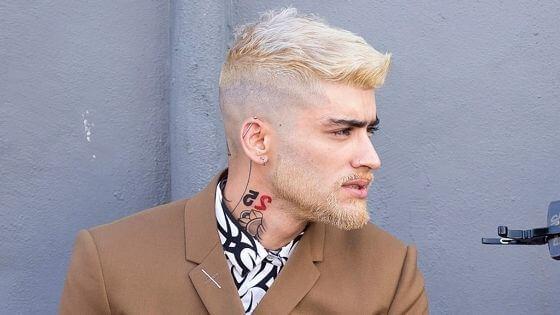 cabello rubio oxigenado hombre