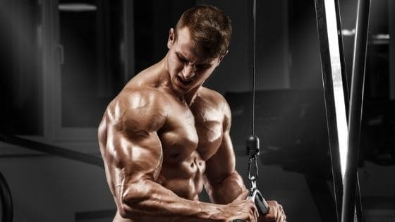 Busca la sobrecarga progresiva en tu entreno de brazos